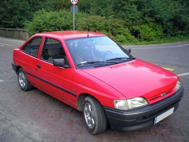 Ford Escort 5 generation hatchback 3 dv. 1.4 MT (1990–1992)