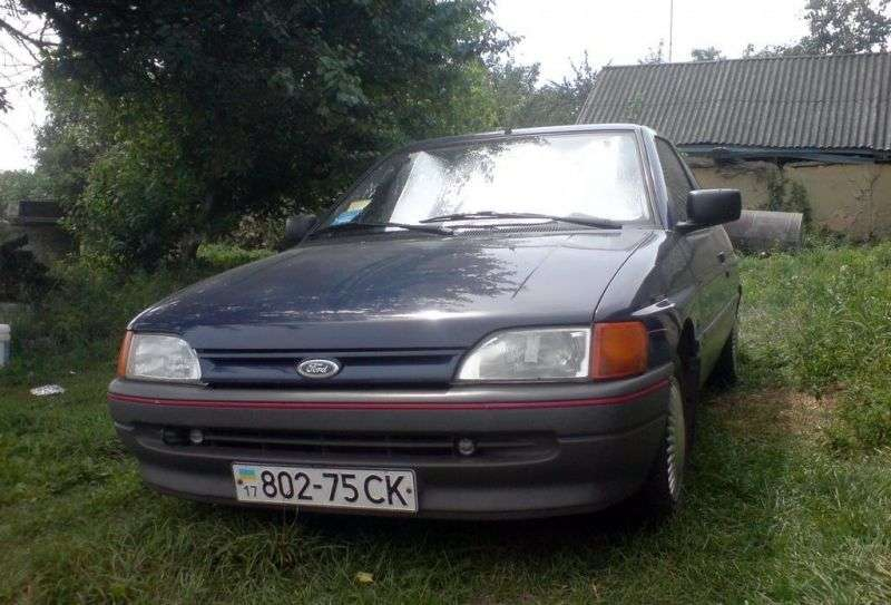 Ford Escort 5 generation hatchback 3 dv. 1.8 MT (1990–1992)