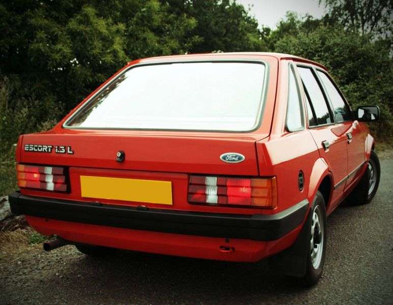 Ford Escort 3 generation hatchback 5 dv. 1.3 5MT (1983–1986)