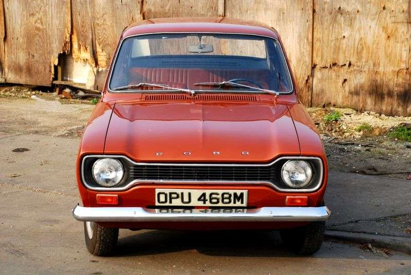 Ford Escort 1st generation Coupe 1.6 Mexico MT (1970–1974)