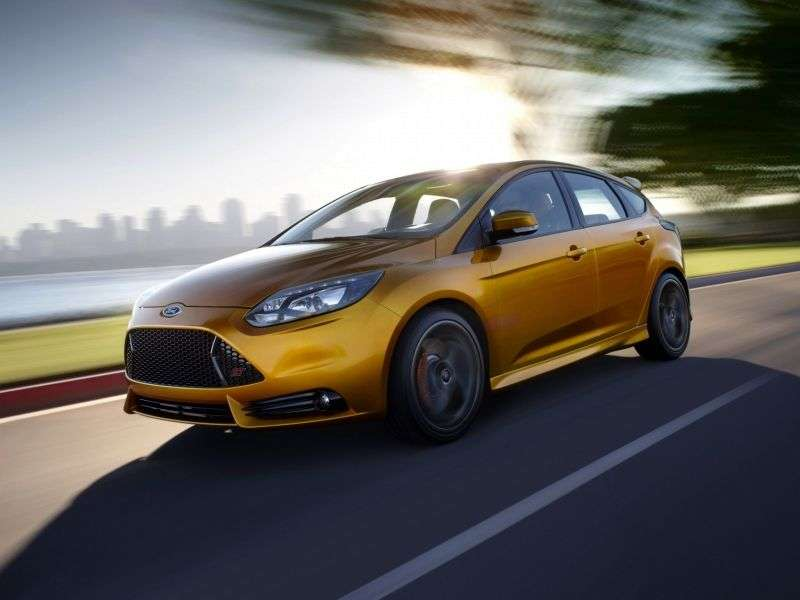 Ford Focus 3 generation ST hatchback 5 dv. 2.0 EcoBoost MT ST2 (2012) (2012 – current century)