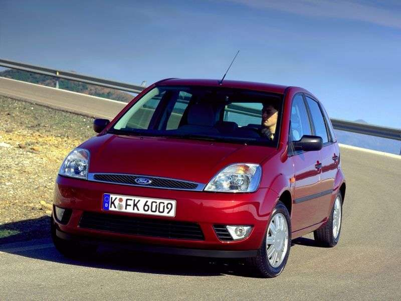 Ford Fiesta 5th generation hatchback 5 dv. 1.6 TDCi MT (2004–2005)