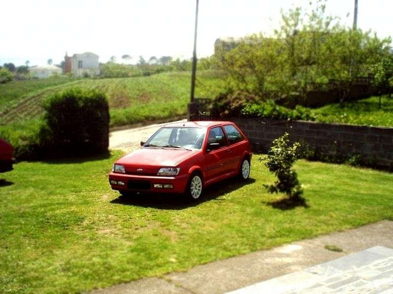 Ford Fiesta 3 generation hatchback 3 dv. 1.3i MT (1991–1995)