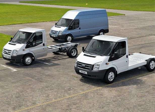 Ford Transit 6th generation Chassis Cab 2 bit chassis 2.4 TDCi MT AWD 330 SWB Base (2006 – present)