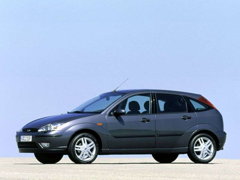 Ford Focus 1st generation [restyling] 5 bit hatchback 1.8 MT (2001–2004)