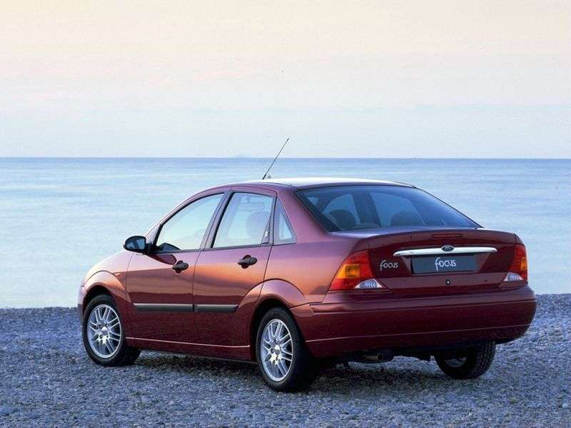 Ford Focus 1 generation 4 door sedan 1.8 MT (1998–2001)