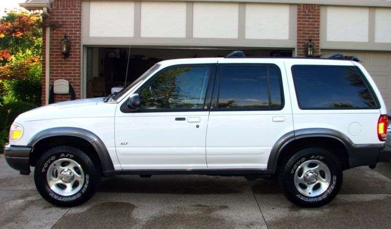 Ford Explorer 2 generation SUV 5 dv. 4.0 MT 4x4 (1995–1999)
