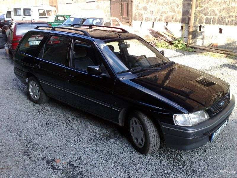 Ford Escort 5th generation [restyled] wagon 1.8 TD MT (1992–1995)