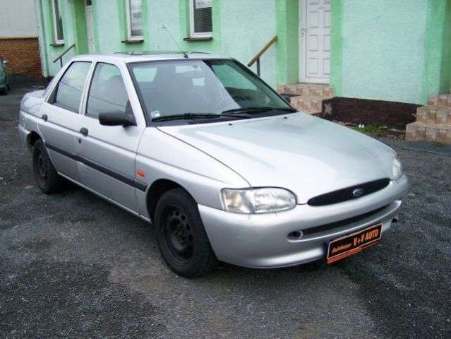 Ford Escort 6th generation sedan 1.4 MT (1995 2000)