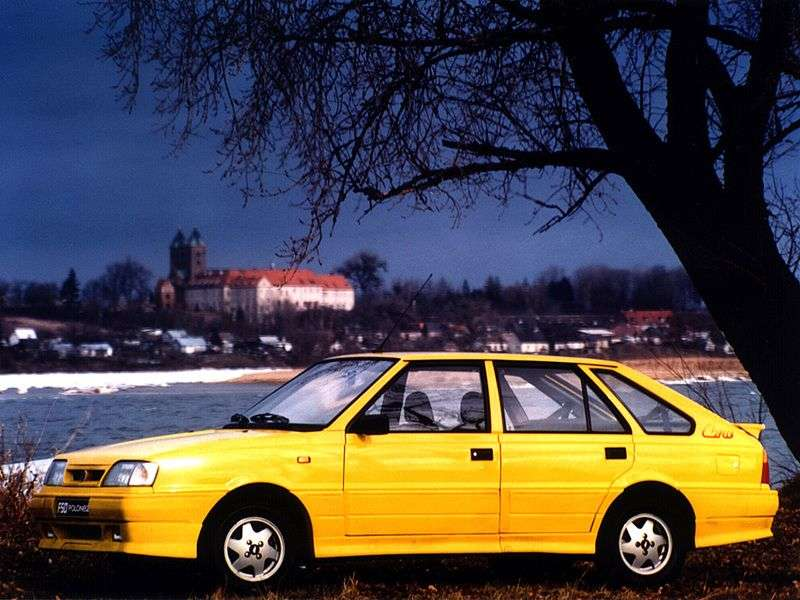 FSO Polonez 2nd generation Caro 1.6 MT hatchback (1991–1997)