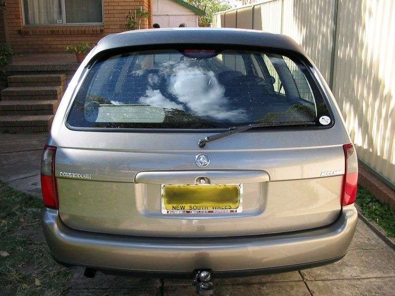 Holden Commodore 3rd generation wagon 3.8 AT (2000 – n.)