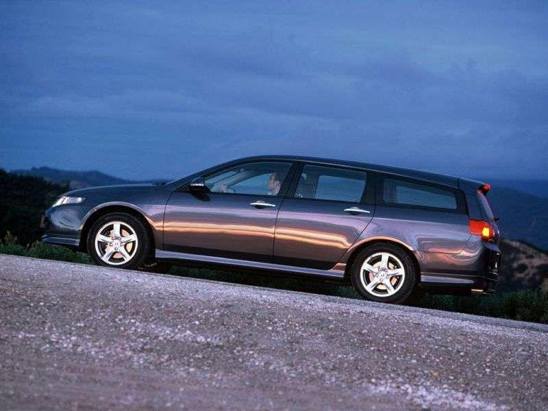 Honda Accord 7 generation wagon 2.0 MT (2003–2006)