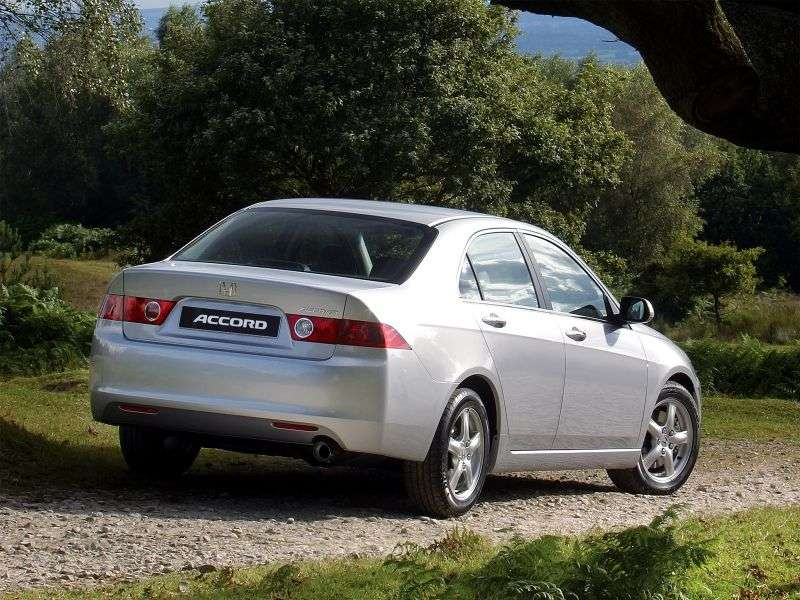 Honda Accord 7 generation sedan 2.0 MT (2003–2006)