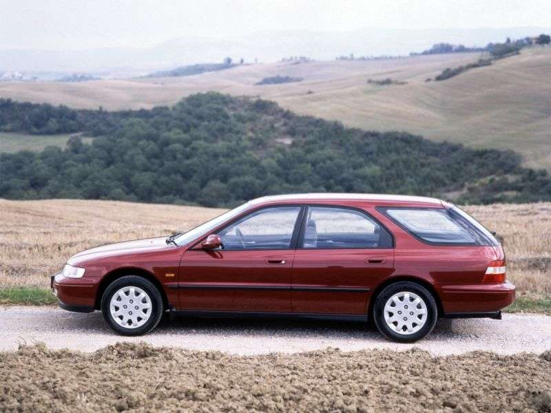 Honda Accord 5th generation Aerodeck station wagon 2.0 MT (1993–1998)