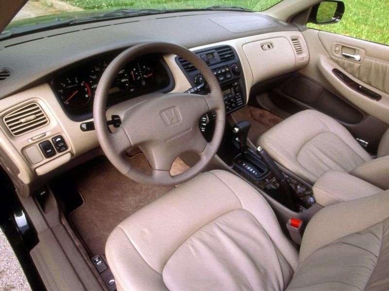 Honda Accord 6 generation US spec sedan 4 doors. 2.3 AT (1998 2000)