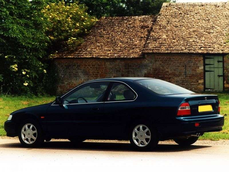 Honda Accord 2 drzwiowe coupe 5.generacji 2,0 MT (1993 1998)