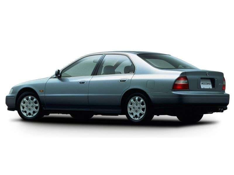 Honda Accord 5 generation JP spec sedan 4 doors. 2.2 AT (1993–1998)