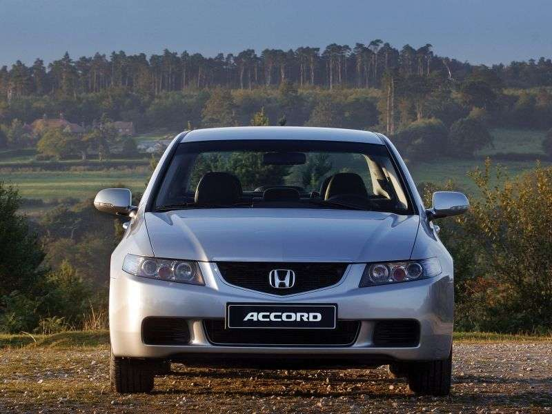Honda Accord 7 generation sedan 2.4 MT (2003–2006)