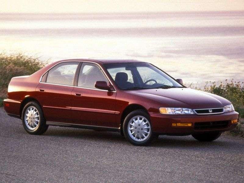 Honda Accord 5 generation US spec sedan 4 doors. 1.8 AT (1993–1998)