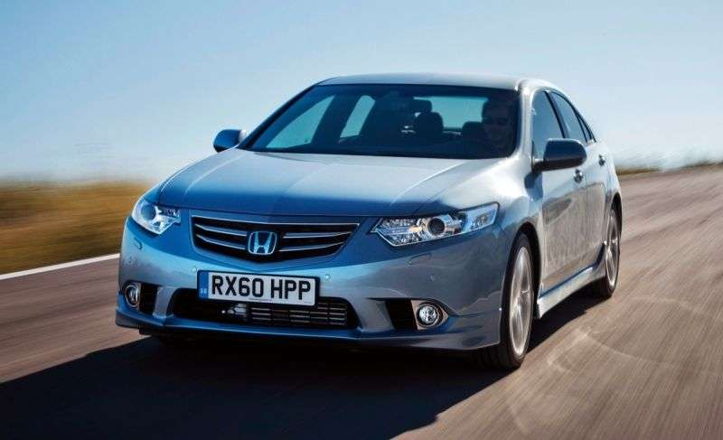 Honda Accord 8 generation [restyling] 4 door sedan. 2.4 AT Executive + NAVI (2011–2013)