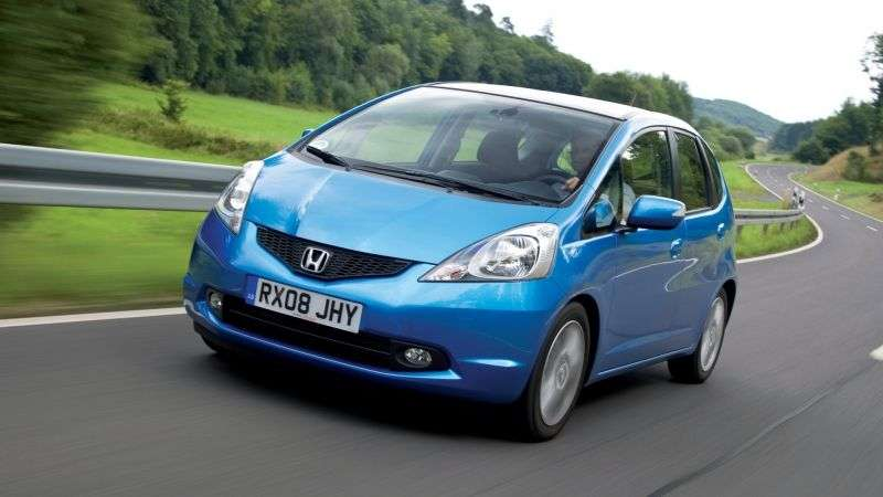 Honda Jazz 2nd generation hatchback 1.3 CVT Hybrid (2010–2011)