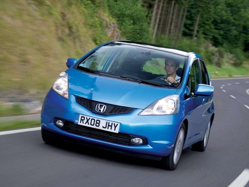 Honda Jazz 2nd generation hatchback 1.4 AT (2007–2011)