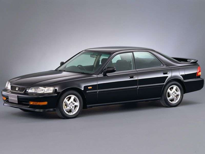 Honda Sabre sedan 1.generacji 2.0 AT (1995 1998)