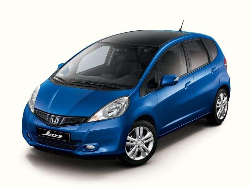 5 drzwiowy hatchback Honda Jazz drugiej generacji [zmiana stylizacji]. 1,5 MT (2012 obecnie)