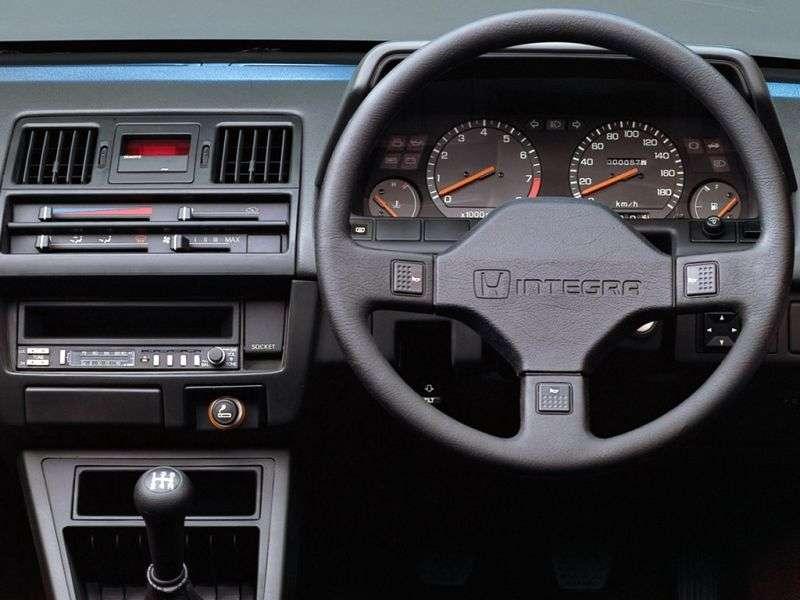Honda Integra 1st generation hatchback 1.6 AT (1985–1989)