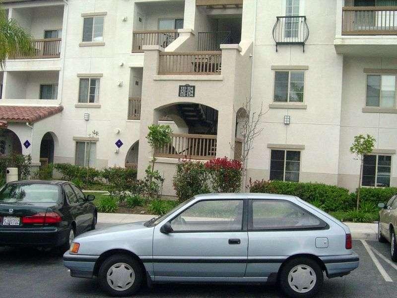 Hyundai Excel X2hetchbek 3 dv. 1.3 MT (1989–1991)