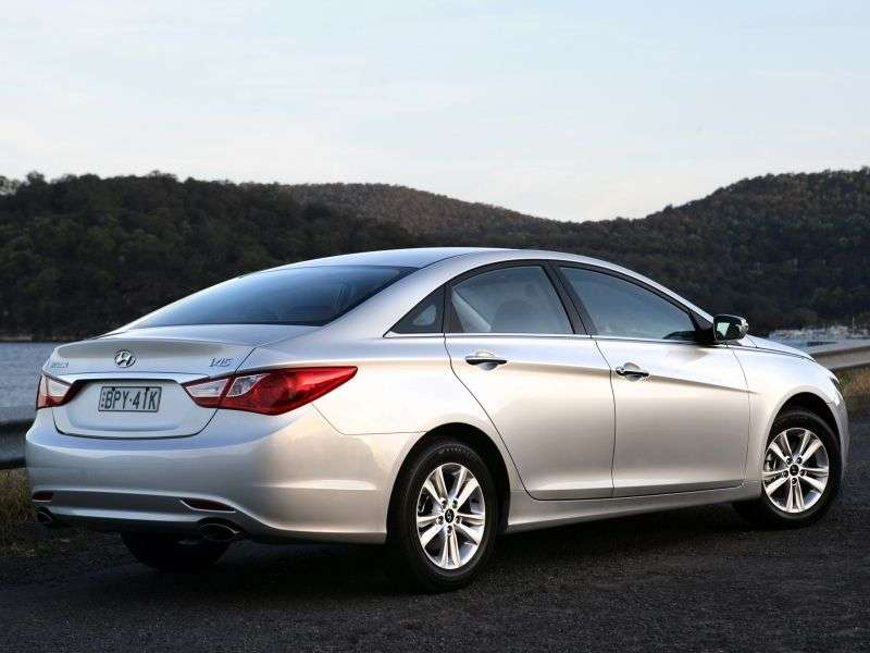 Hyundai i45 YFsedan 4 dv. 2.0 MT (2010 – n. In.)