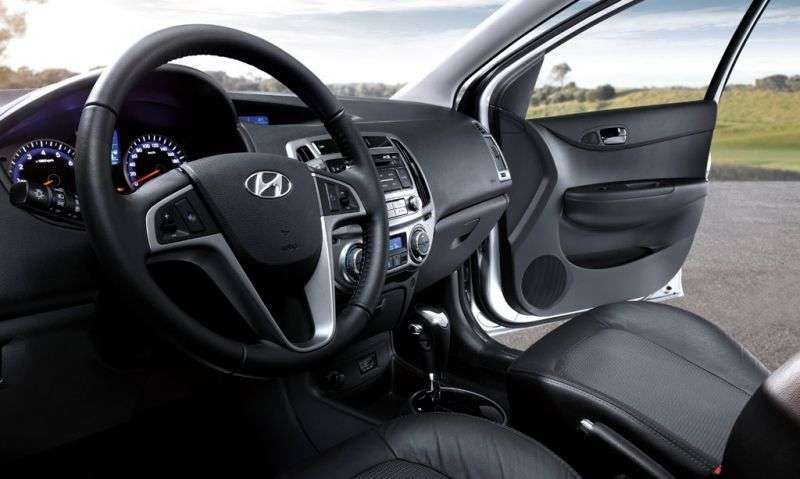 Hyundai i20 1st generation [restyling] 3 bit hatchback 1.4 AT (2012 – n. In.)
