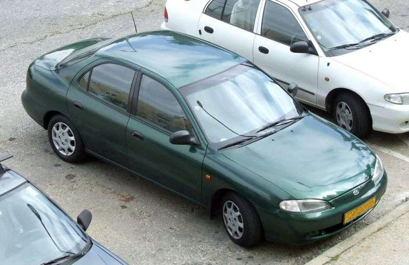 Hyundai Lantra J2sedan 1.8 AT (1995–1998)
