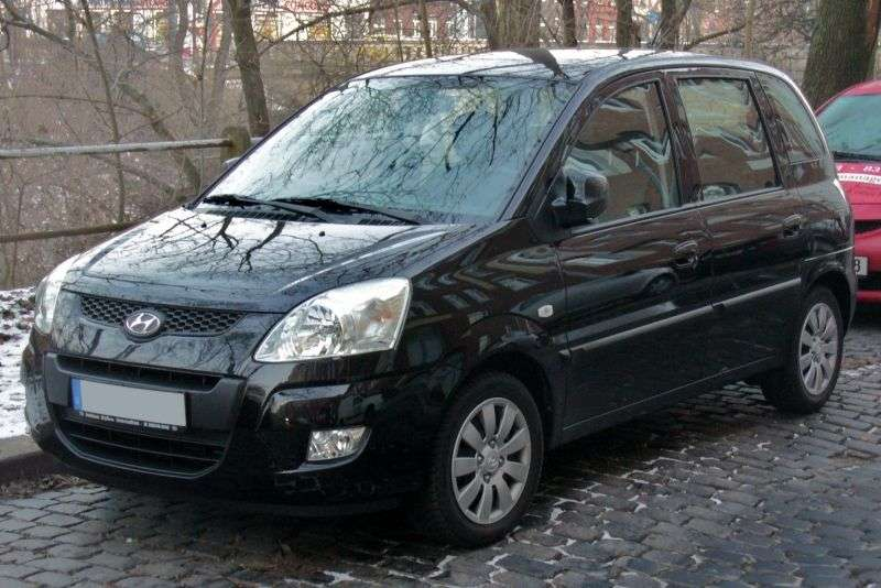 Hyundai Matrix 1st generation [2nd restyling] 1.8 MT minivan (2008–2010)