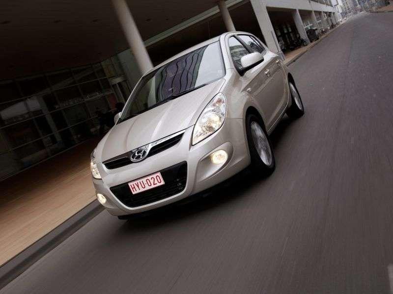 Hyundai i20 5 drzwiowy hatchback pierwszej generacji 1,4 AT (2008 2010)