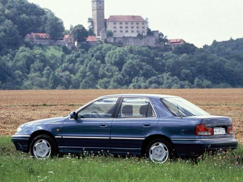 Hyundai Lantra J1 [restyling] 1.6 AT saloon (1993–1995)