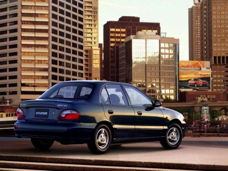 Hyundai Accent X3 [restyling] sedan 1.5 AT (1997–1999)