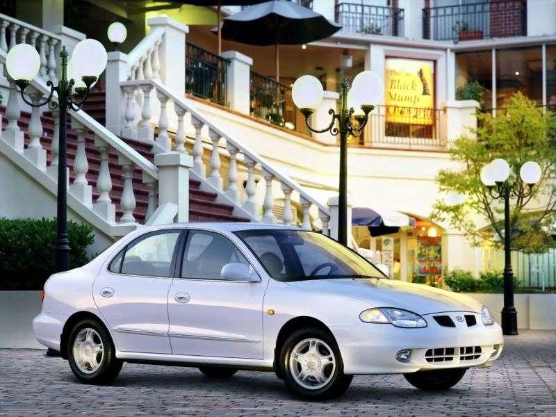 Hyundai Elantra J2 [zmiana stylizacji] sedan 2.0 MT (1998 2000)