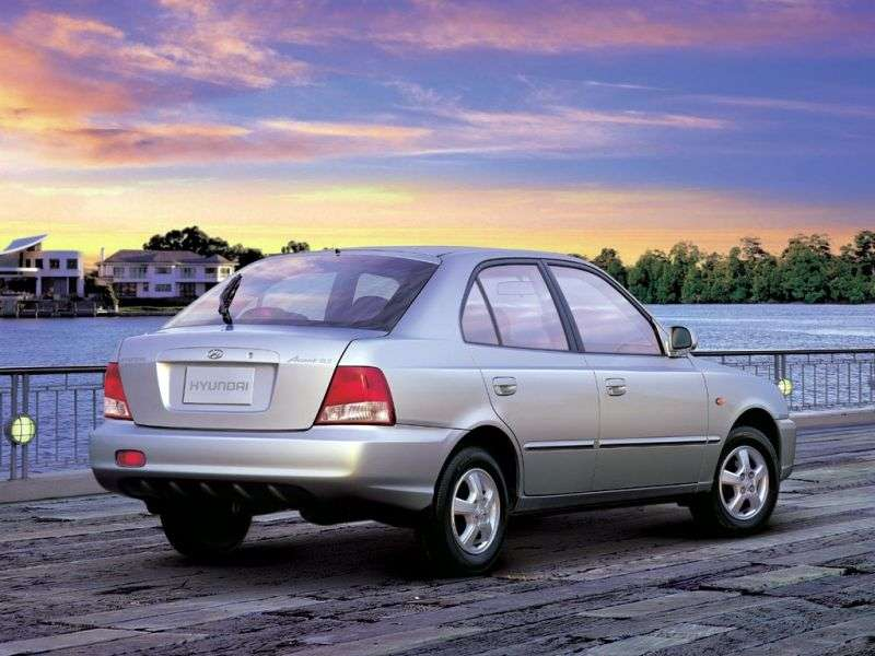 Hyundai Accent LChechbek 5 dv. 1.5 MT (1999–2003)