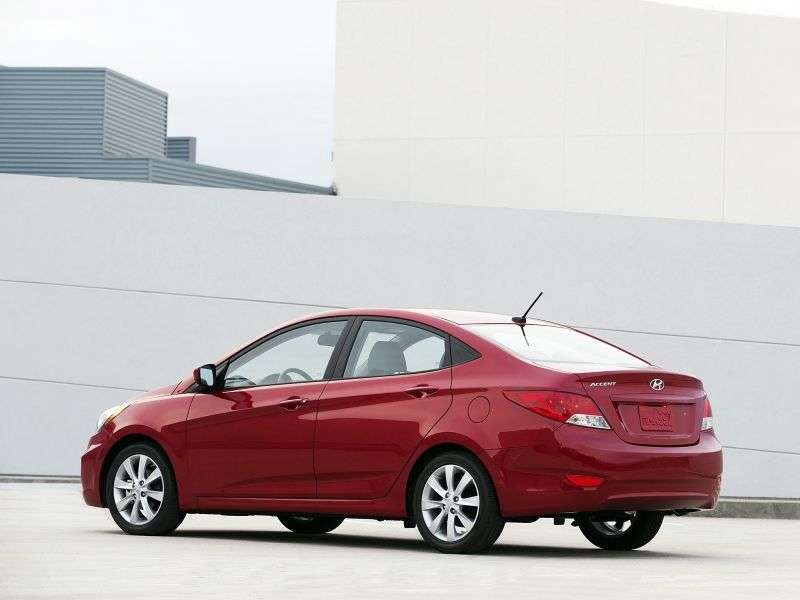 Hyundai Accent RBSedan 1.6 CRDi AT (2011 – current century)
