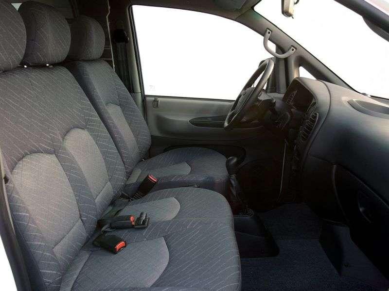 Hyundai H 1 Starex [zmiana stylizacji] Minibus 2.5 CRDi MT LWB (2004 2007)