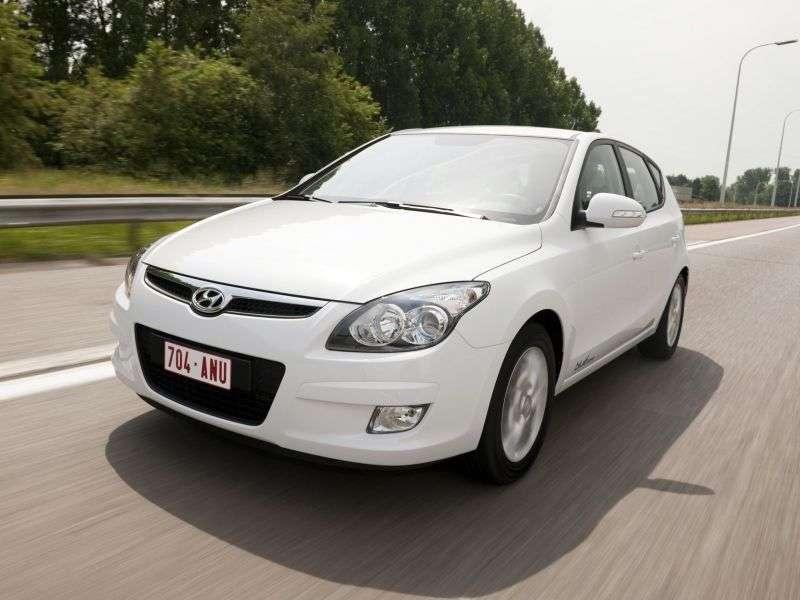 Hyundai i30 FDetchback 1.6 AT (2007–2010)
