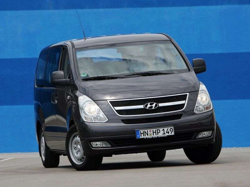 Hyundai H 1 Grand StarexMinibus 2.4 AT Comfort (2011) (2007 – present)