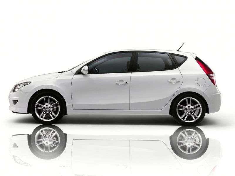 Hyundai i30 FD [restyling] hatchback 1.6 AT Classic (2010–2012)