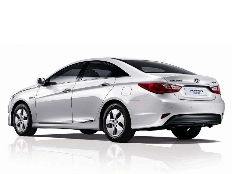 Hyundai Sonata YFHybrid sedan 4 doors. 2.0 AT hybrid (2012 – n. In.)