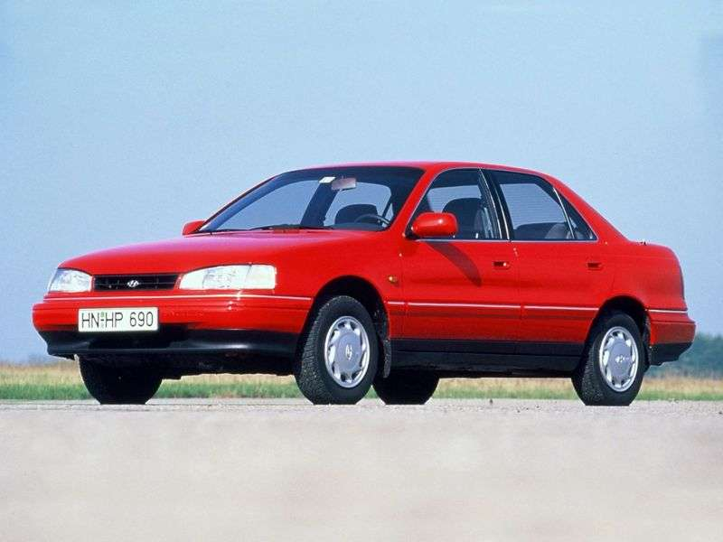 Hyundai Elantra J1 sedan 1.6 AT (1990–1993)