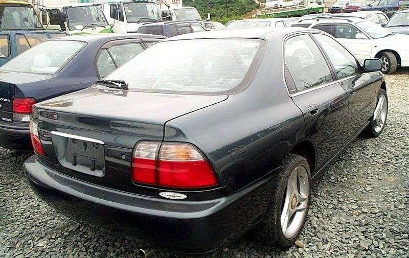 Isuzu Aska GS 5sedan 2.0 MT (1998 – n.)
