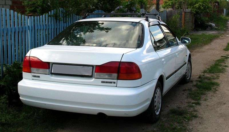 Isuzu Gemini 2nd generation 1.5 MT sedan (1997–2000)