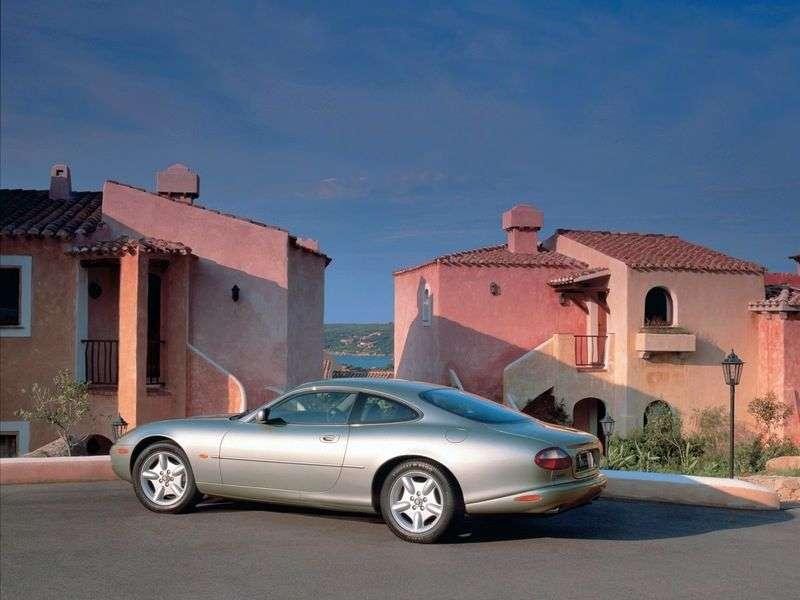 Jaguar XK X100 Restyled XK8 Coupe 4.2 AT (2002-2004)