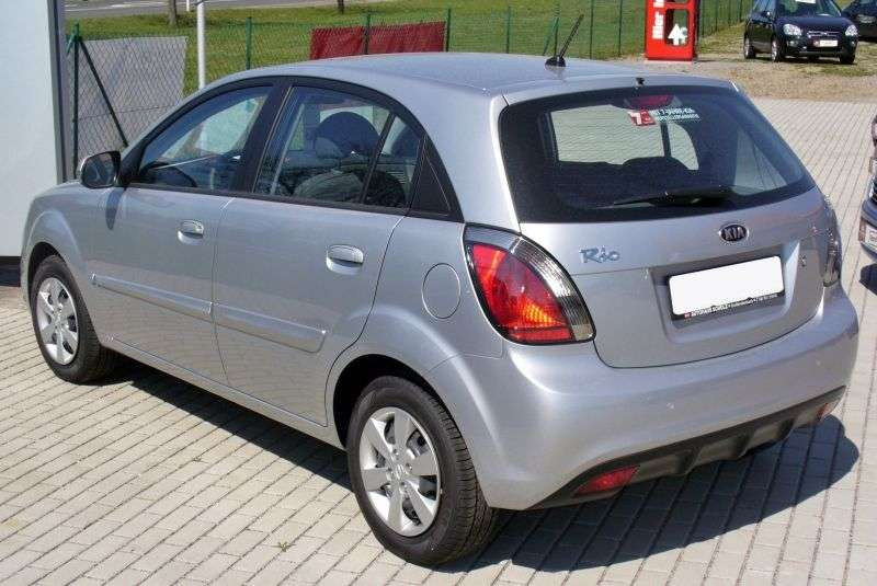 Kia Pride New [restyled] hatchback 1.5 VGT MT (2009–2011)